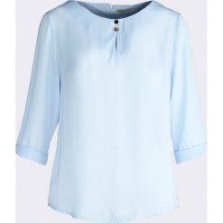 Niebieska Bluzka Sign Heart. Szare bluzki nietoperze marki TOMMY HILFIGER, m, z nadrukiem, z bawełny, casualowe, z okrągłym kołnierzem. Za 34,99 zł.