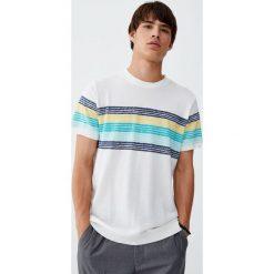 Sweter z krótkim rękawem i pasami. Czarne swetry klasyczne męskie marki Pull&Bear, m. Za 55,90 zł.