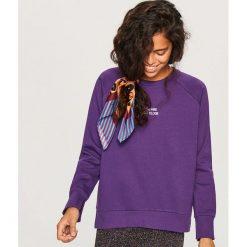 Bluza z napisem - Fioletowy. Fioletowe bluzy damskie marki Reserved, l, z napisami. Za 59,99 zł.