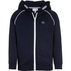 Lacoste Bluza rozpinana navy blue/white. Szare bluzy chłopięce rozpinane marki Lacoste, z bawełny. Za 319,00 zł.