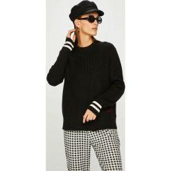 Calvin Klein - Sweter. Szare swetry klasyczne damskie marki Calvin Klein, m. W wyprzedaży za 429,90 zł.