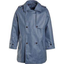Gosoaky CAS NAP Kurtka przeciwdeszczowa denim. Niebieskie kurtki dziewczęce przeciwdeszczowe Gosoaky, z bawełny. Za 419,00 zł.