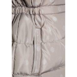 Name it NITMARTHA Kurtka zimowa mourning dove. Czerwone kurtki dziewczęce zimowe marki Name it, l, z nadrukiem, z bawełny, z okrągłym kołnierzem. W wyprzedaży za 142,35 zł.