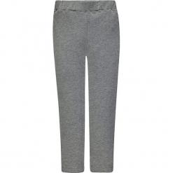 Legginsy w kolorze szarym. Białe legginsy dziewczęce marki Marc O'Polo Junior, z nadrukiem, z okrągłym kołnierzem, z długim rękawem. W wyprzedaży za 42,95 zł.