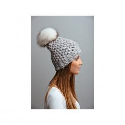 POMPOM - czapka z naturalnym futerkiem. Szare czapki zimowe damskie Pompom, z wełny. Za 169,00 zł.