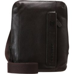 Piquadro PULSE CROSS BODY BAG Torba na ramię testa di moro. Brązowe torby na ramię męskie marki Kazar, ze skóry, przez ramię, małe. W wyprzedaży za 411,75 zł.