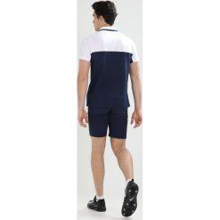 Lacoste Sport Koszulka sportowa blanc/marine. Białe koszulki polo Lacoste Sport, m, z bawełny. W wyprzedaży za 367,20 zł.