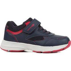"""Sneakersy """"Hoshiko"""" w kolorze granatowo-czerwonym. Niebieskie trampki chłopięce marki geox kids, z gumy. W wyprzedaży za 117,95 zł."""