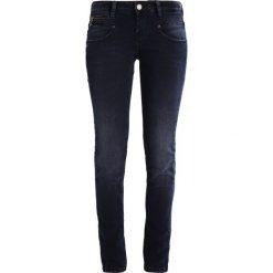 Freeman T. Porter ALEXA Jeansy Slim Fit nirenda. Niebieskie jeansy damskie marki Freeman T. Porter. W wyprzedaży za 221,40 zł.