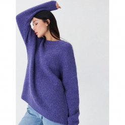 Sweter z wełną - Fioletowy. Fioletowe swetry klasyczne damskie marki House, l, z wełny. Za 119,99 zł.