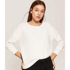 Sweter o ryżowym splocie - Kremowy. Białe swetry klasyczne damskie marki House, l, ze splotem. Za 69,99 zł.