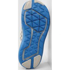 Nike Performance FLEX RN 2017 Obuwie do biegania treningowe cool grey/white/pure platinum/photo blue. Szare buty sportowe chłopięce Nike Performance, z materiału. W wyprzedaży za 206,10 zł.