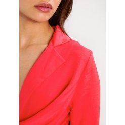 Sukienki hiszpanki: Missguided Petite EXCLUSIVE WRAP PLUNGE Sukienka letnia scarlett