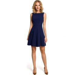 Sukienki: Granatowa Efektowna Sukienka bez Rękawów z Szerokim Dołem