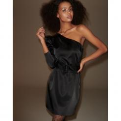 Sukienka na jedno ramię - Czarny. Czarne sukienki na komunię marki Reserved. Za 259,99 zł.