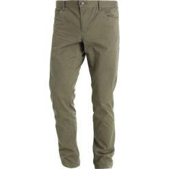 Chinosy męskie: Knowledge Cotton Apparel Spodnie materiałowe burned olive