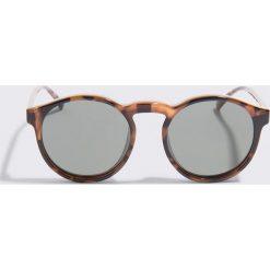 Le Specs Okulary przeciwsłoneczne Cubanos - Brown. Brązowe okulary przeciwsłoneczne damskie aviatory Le Specs. W wyprzedaży za 184,07 zł.