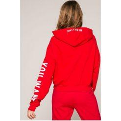 Tally Weijl - Bluza. Czerwone bluzy z kapturem damskie marki TALLY WEIJL, l, z dzianiny, z krótkim rękawem. W wyprzedaży za 59,90 zł.