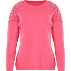 Koralowy Sweter Two Princes. Pomarańczowe swetry klasyczne damskie marki Born2be, l, z koronki, z okrągłym kołnierzem. Za 79,99 zł.