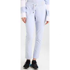Juvia Spodnie treningowe light blue. Niebieskie spodnie dresowe damskie Juvia, l, z bawełny. W wyprzedaży za 405,30 zł.