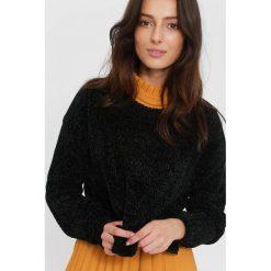 Swetry klasyczne damskie: Czarny Sweter They Know