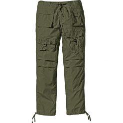 Spodnie bojówki Loose Fit bonprix ciemnooliwkowy. Zielone bojówki męskie marki QUECHUA, m, z elastanu. Za 79,99 zł.