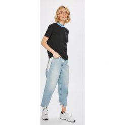 Calvin Klein Jeans - Top. Szare topy damskie marki Calvin Klein Jeans, l, z bawełny, z okrągłym kołnierzem. W wyprzedaży za 219,90 zł.