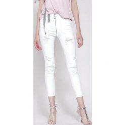 Białe Jeansy Nothing More. Białe jeansy damskie other. Za 104,99 zł.
