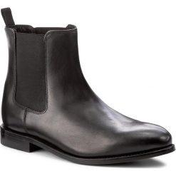 Sztyblety CLARKS - Ellis Franklin 261273797 Black Leather. Czarne sztyblety męskie Clarks, z materiału. W wyprzedaży za 469,00 zł.