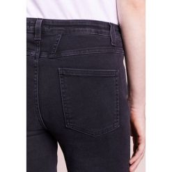 CLOSED SKINNY PUSHER Jeans Skinny Fit soft black. Czarne jeansy damskie CLOSED, z bawełny. W wyprzedaży za 599,20 zł.