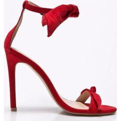 Public Desire - Sandały. Czarne sandały damskie marki Mohito, na obcasie. W wyprzedaży za 119,90 zł.