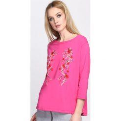 Fuksjowa Bluzka Hidden Beauty. Różowe bluzki asymetryczne Born2be, m, z długim rękawem. Za 39,99 zł.