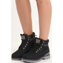Czarne Traperki Ice Cap. Czarne buty zimowe damskie Born2be, na płaskiej podeszwie. Za 99,99 zł.