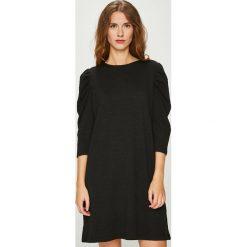 Medicine - Sukienka Essential. Czarne sukienki dzianinowe marki MEDICINE, na co dzień, l, casualowe, z okrągłym kołnierzem, mini, proste. Za 119,90 zł.