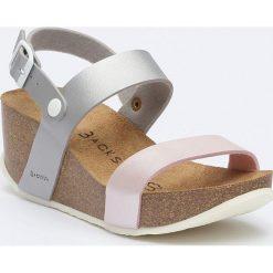 Sandały damskie: Sandały w kolorze srebrno-beżowym