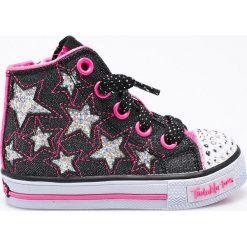 Skechers - Trampki dziecięce. Szare buty sportowe dziewczęce marki Skechers, z materiału. W wyprzedaży za 179,90 zł.