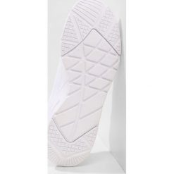 Buty do biegania damskie: Champion LOW CUT SHOE SLEEK Obuwie do biegania treningowe white