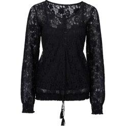 Bluzka koronkowa bonprix czarny. Czarne bluzki asymetryczne bonprix, w koronkowe wzory, z koronki. Za 109,99 zł.