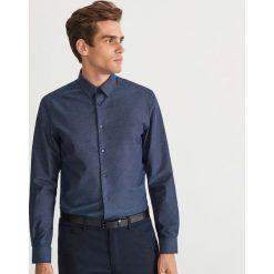 Koszula regular fit - Granatowy. Niebieskie koszule męskie na spinki Reserved, m. Za 139,99 zł.