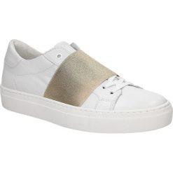 Białe buty sportowe skórzane sznurowane Creator S-2420E. Czarne buty sportowe damskie marki Casu. Za 289,99 zł.