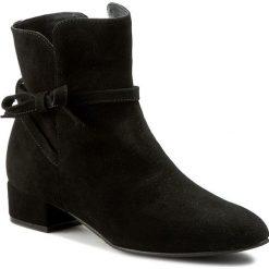 Botki NEŚCIOR - 028-B Czarny Zamsz. Czarne buty zimowe damskie Neścior, ze skóry, na obcasie. W wyprzedaży za 269,00 zł.