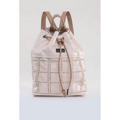 Plecak zdobiony dżetami. Szare plecaki damskie Monnari, ze skóry. Za 99,60 zł.