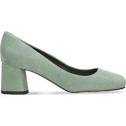 Czółenka ERI. Zielone buty ślubne damskie Gino Rossi, ze skóry, na słupku. Za 169,90 zł.