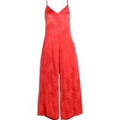 Gestuz SETTIA  Kombinezon poinsettia. Czerwone kombinezony damskie marki Gestuz, z materiału. W wyprzedaży za 591,75 zł.