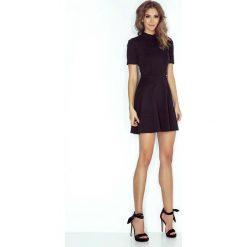 Sukienki: Czarna Kobieca Sukienka z Półgolfem