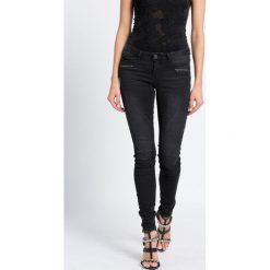 Noisy May - Jeansy Eve. Szare jeansy damskie rurki marki Noisy May, z aplikacjami, z bawełny, z obniżonym stanem. W wyprzedaży za 89,90 zł.