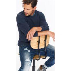 SWETER MĘSKI ZE STRUKTURALNEJ DZIANINY. Szare swetry klasyczne męskie Top Secret, na jesień, m, z dzianiny, z golfem. Za 89,99 zł.