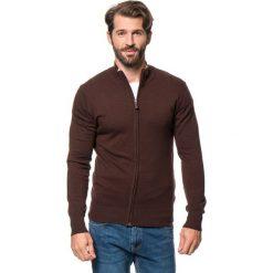 Swetry rozpinane męskie: Kardigan w kolorze ciemnobrązowym