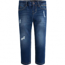 Spodnie w kolorze niebieskim. Niebieskie spodnie chłopięce marki Mayoral, w paski. W wyprzedaży za 92,95 zł.