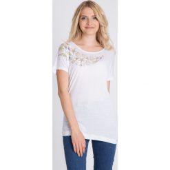 Bluzki asymetryczne: Biała bluzka z muszelkami QUIOSQUE